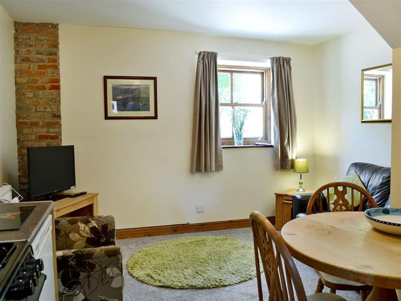 Marton Manor Cottages - Ardennes Cottage in Sewerby, near Bridlington - sleeps 3 people