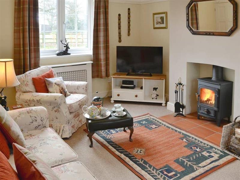 Meadow Cottage in Irstead, nr. Wroxham - sleeps 5 people