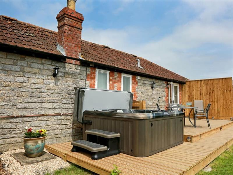 Midknowle Farm Cottages - Midknowle Barn in South Barrow, near Yeovil - sleeps 4 people