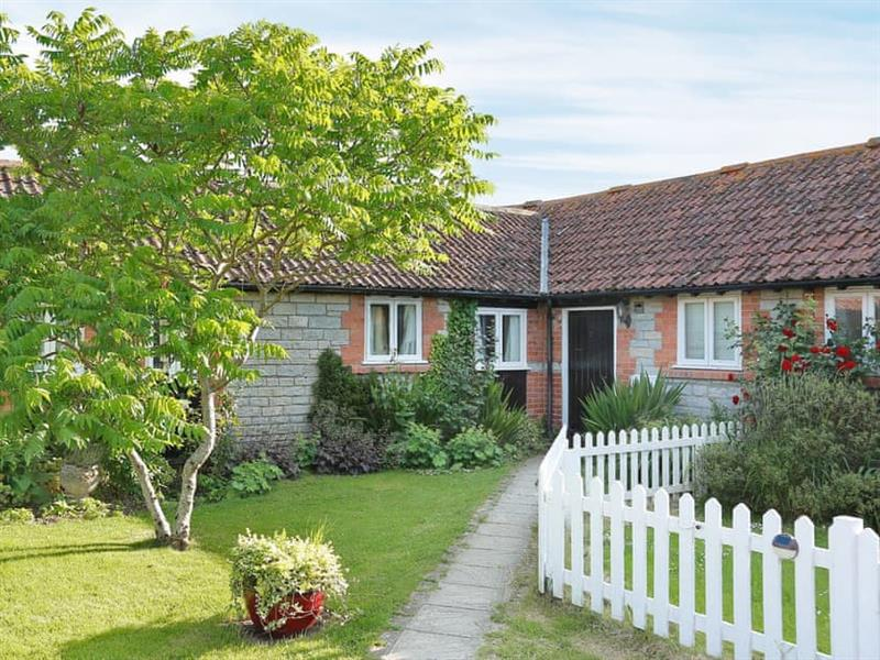 Midknowle Farm Cottages - The Cottage in South Barrow, nr. Yeovil - sleeps 4 people
