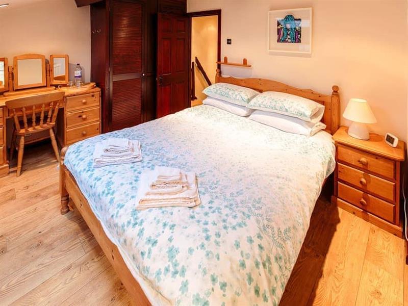Millstone Cottage in Bradwell - sleeps 4 people