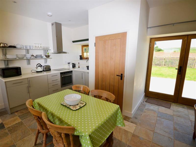 Moor Farm - The Grain Store in Godshill - sleeps 4 people