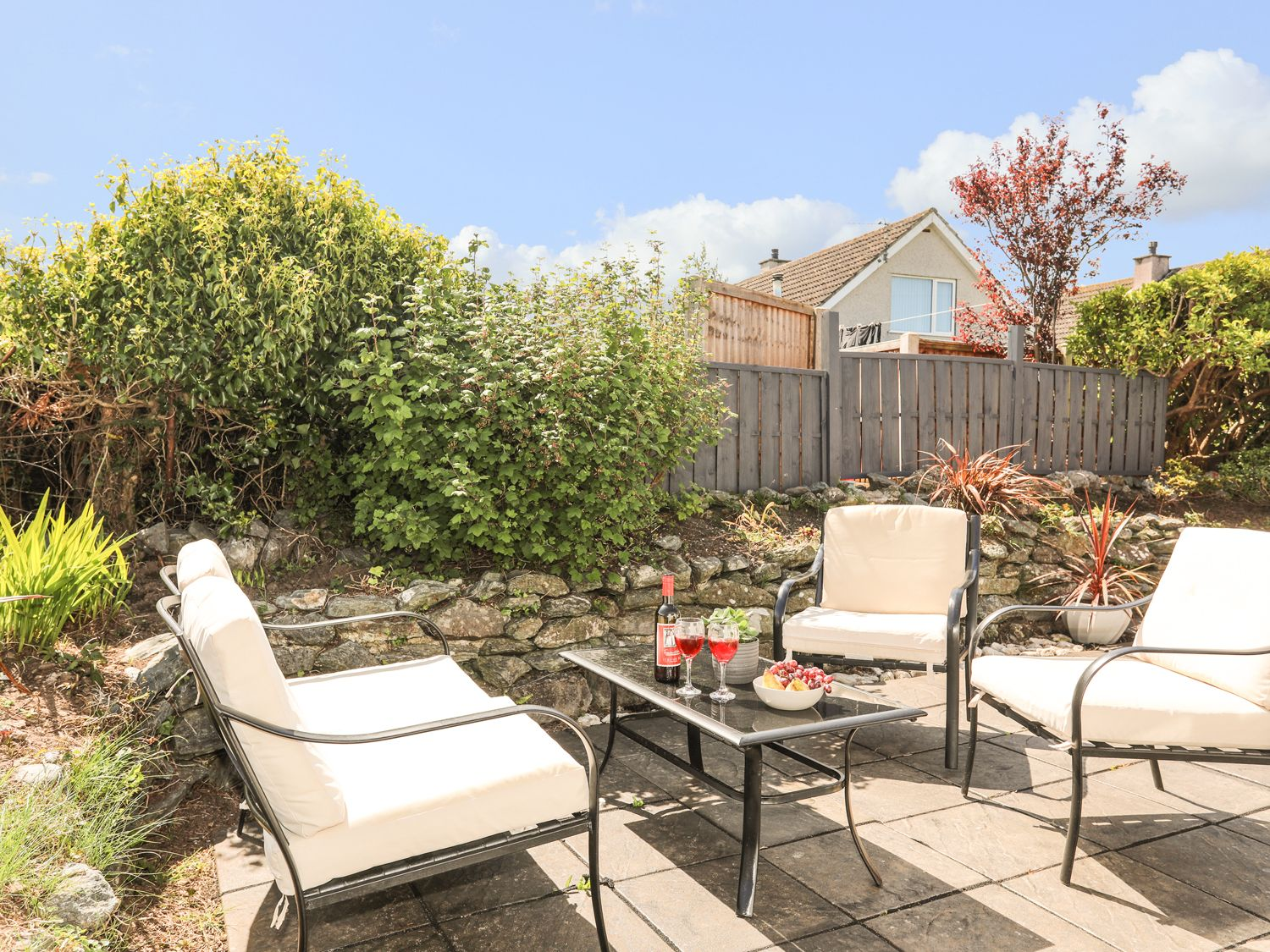 Morawelon in Benllech - sleeps 4 people