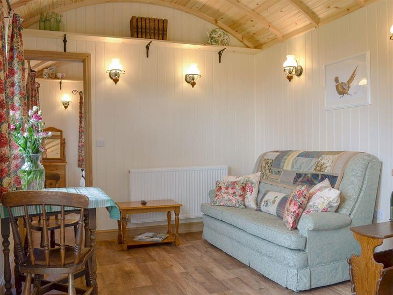 Morrells Wood Farm - Shepherds Lodge in Leighton near Shrewsbury - sleeps 2 people