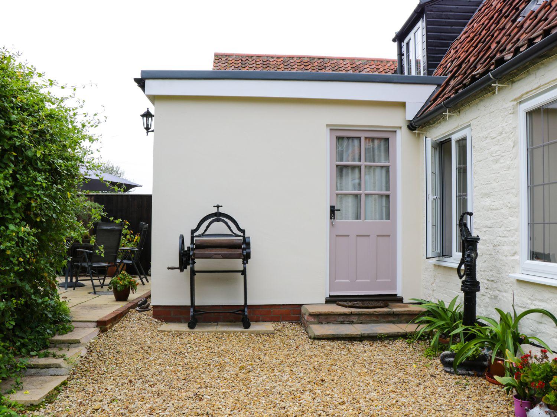 Mrs Dale's Cottage in Clenchwarton near King's Lynn - sleeps 2 people
