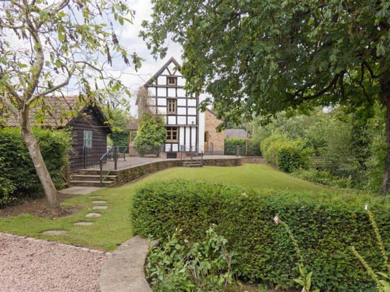 Netherley Hall Cottages - Brook House in Mathon, nr. Malvern, Worcs. - sleeps 10 people