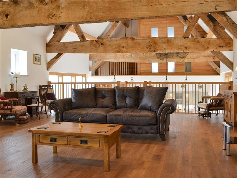 New House Farm Barn in Glewstone, near Ross-on-Wye, Herefordshire - sleeps 8 people