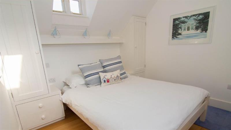 Newgate Boathouse in Wells-next-the-Sea - sleeps 2 people