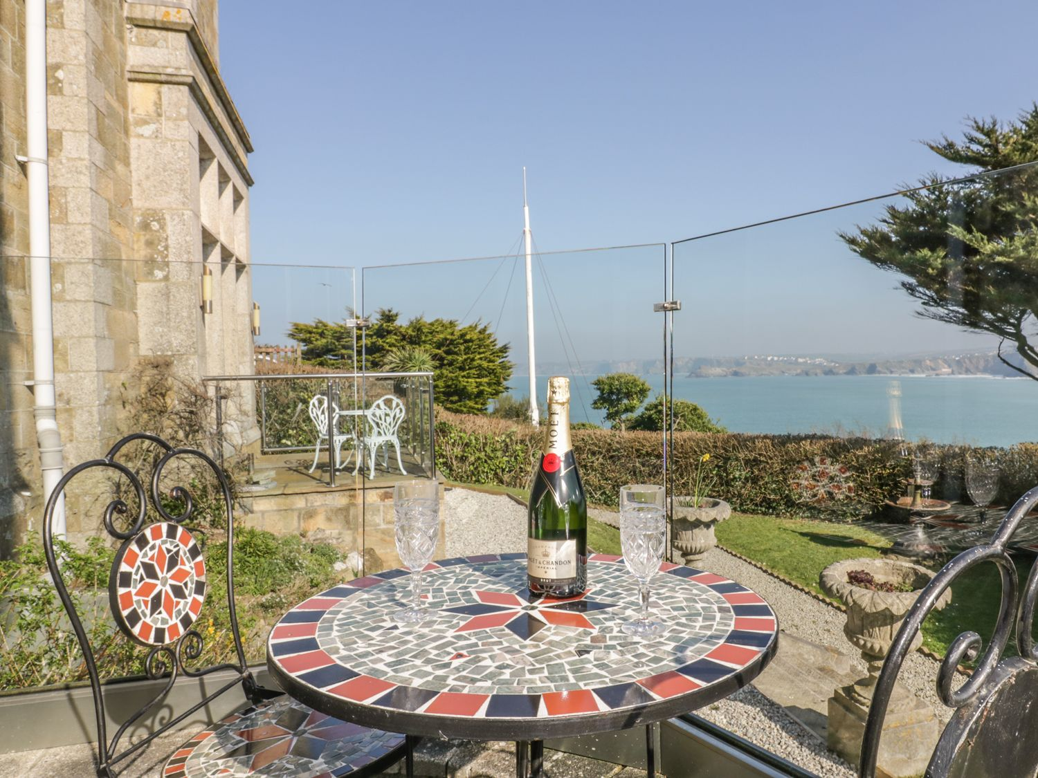 Newquay Bay View in Newquay - sleeps 4 people