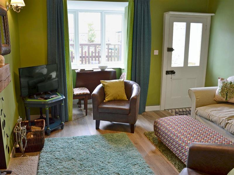 Nutmeg Cottage in Tideswell, near Buxton, Derbyshire - sleeps 4 people