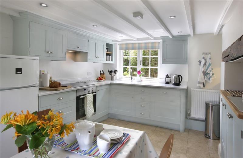 Odd Nod Cottage in Coombe Keynes - sleeps 5 people