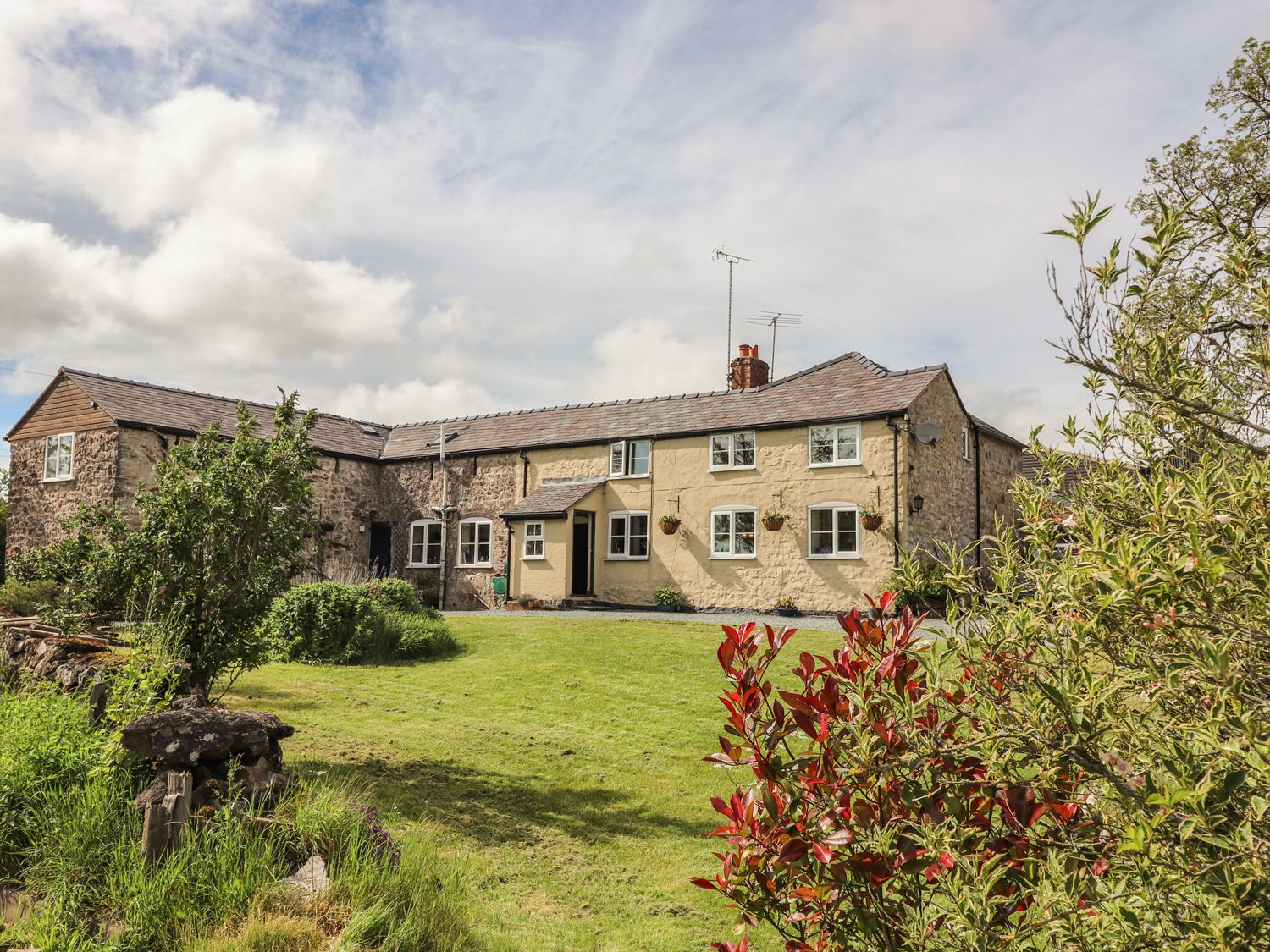 Offas Cottage in Oswestry - sleeps 6 people