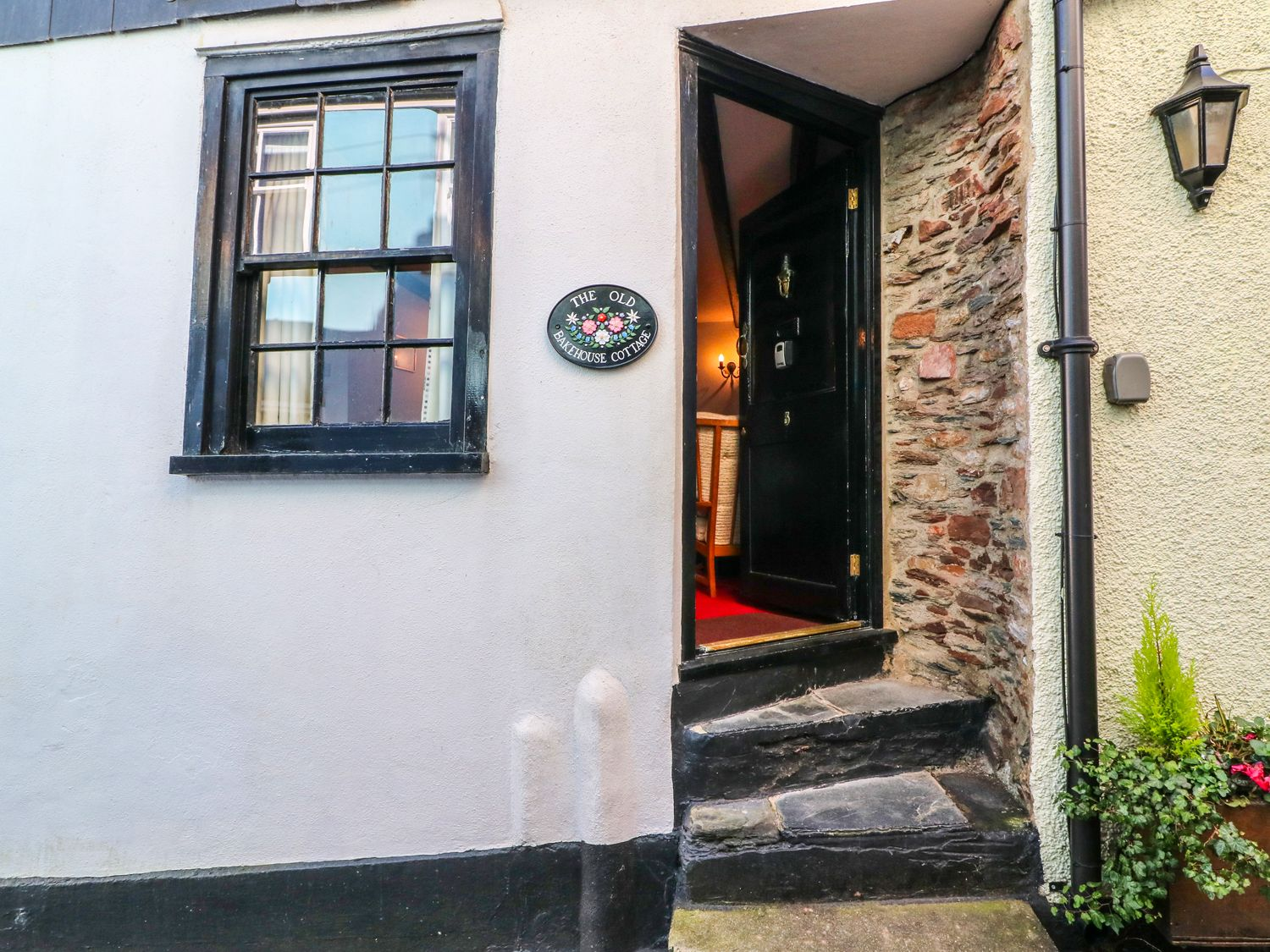 Old Bakehouse in Dartmouth - sleeps 4 people