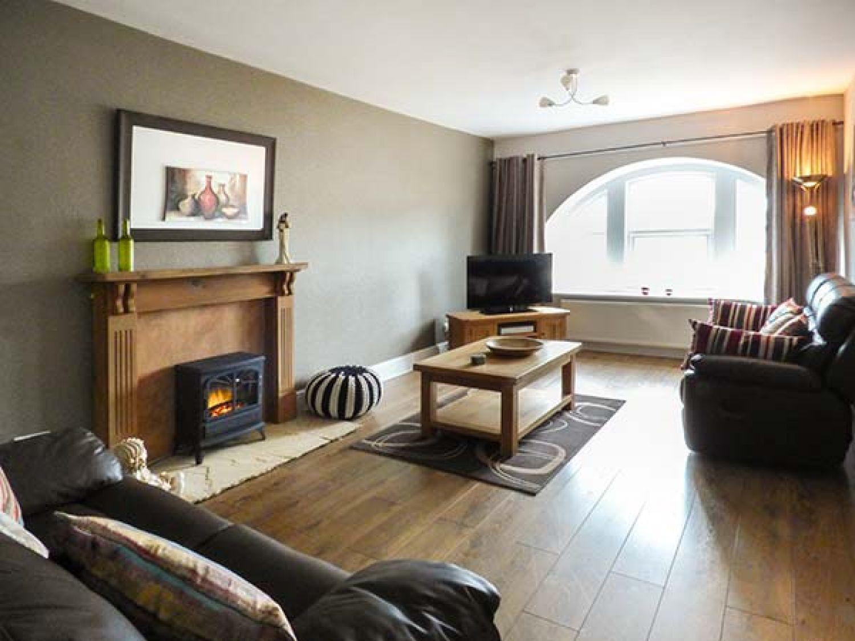 Old Oak Apartment in Eyam near Bakewell - sleeps 4 people