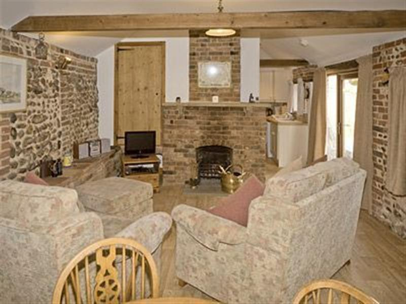 Old Salts Barn in Langham, nr. Blakeney - sleeps 2 people