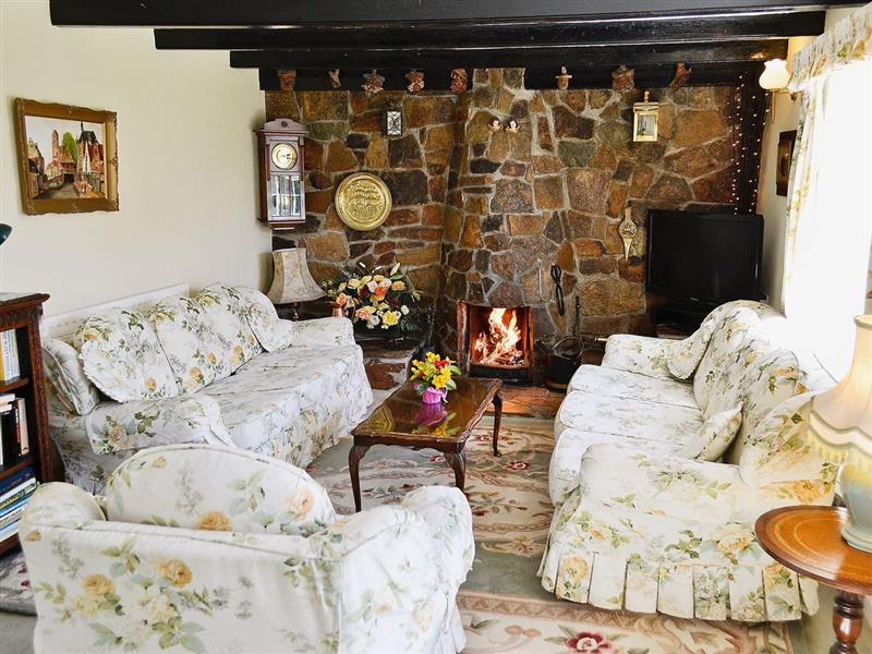 Old Willy's Cottage in Crantock, Nr Newquay, Cornwall. - sleeps 6 people