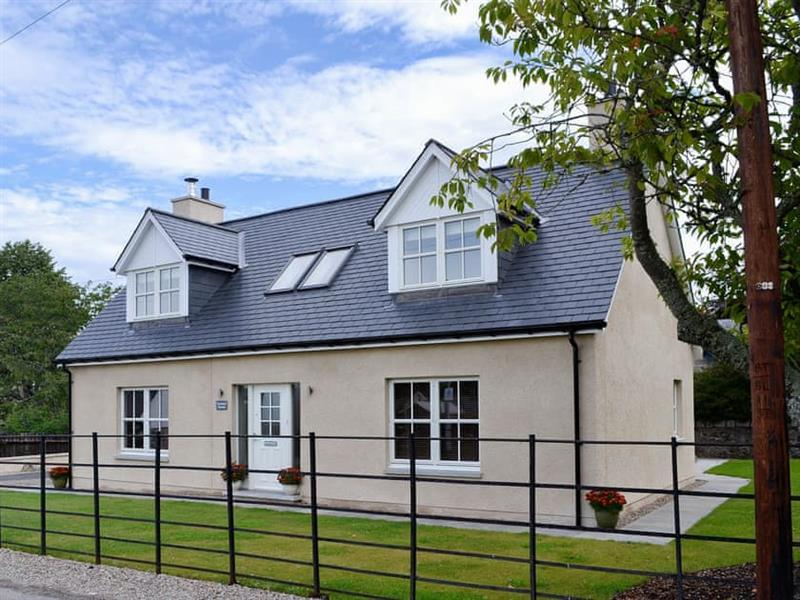 Orchard House in Aboyne, near Banchory - sleeps 7 people