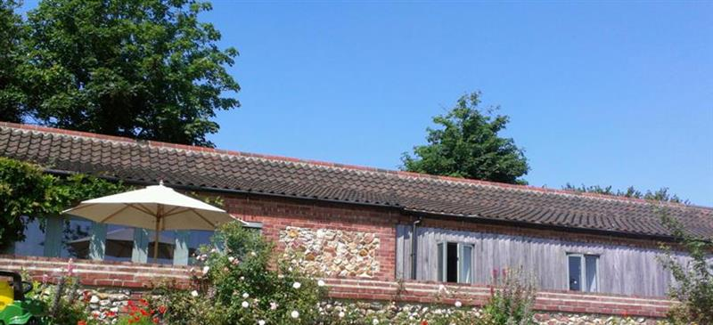 Osier Carr Barn in Tatterset near Fakenham - sleeps 9 people