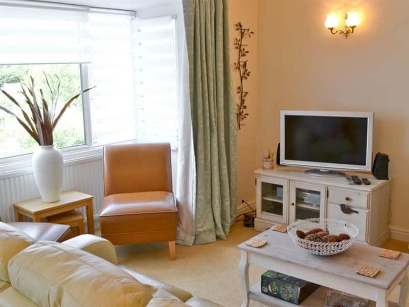 Otters in Wroxham - sleeps 6 people