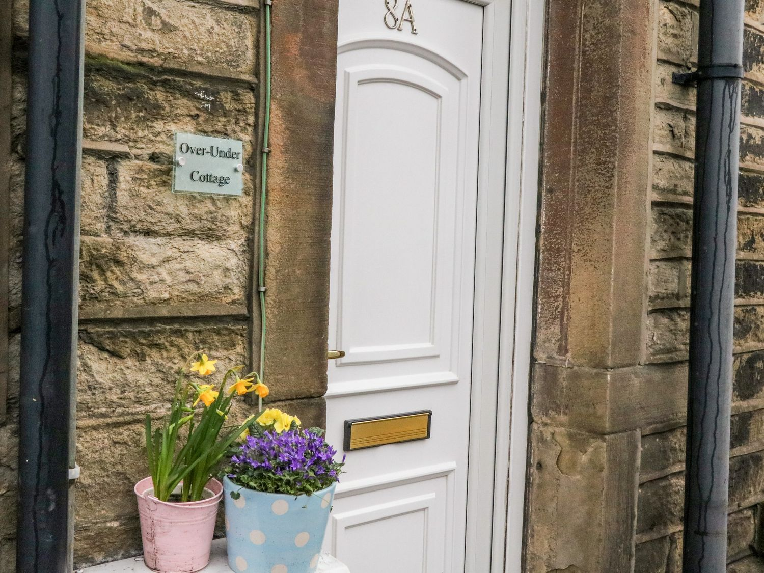 Over-Under Cottage in Holmfirth - sleeps 2 people