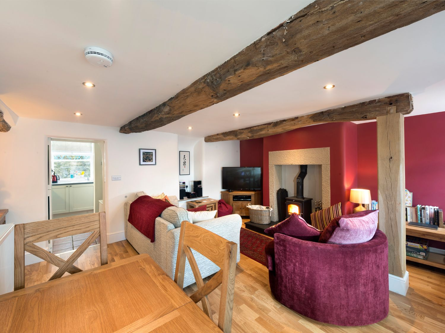 Owl Cottage in Tideswell - sleeps 4 people