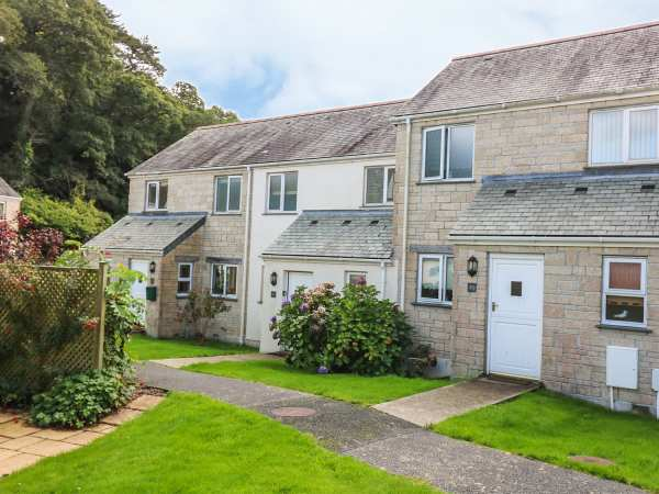 Oyster Cottage in Falmouth - sleeps 4 people