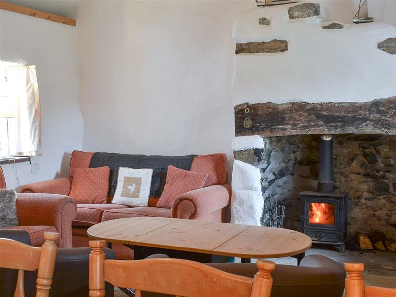 Pant y Gro in Pen-y-Sarn, near Amlwch, Anglesey - sleeps 6 people