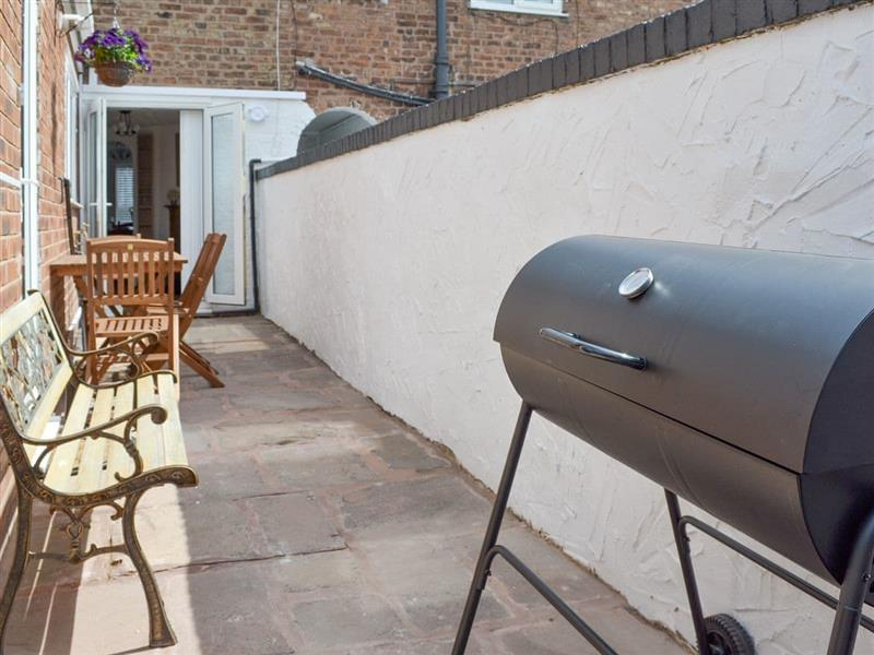 Parkgate Road Cottage in Chester - sleeps 4 people