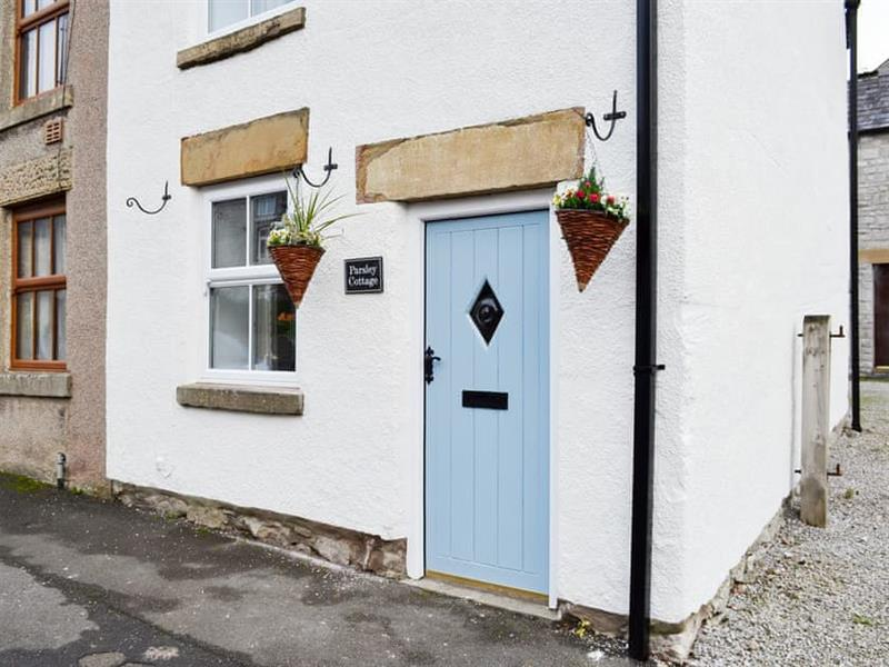 Parsley Cottage in Tideswell, near Buxton - sleeps 4 people