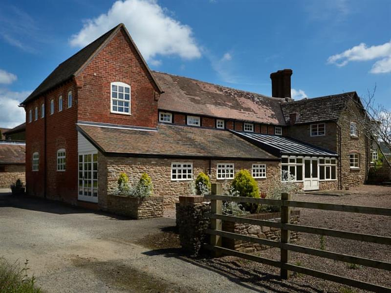 Peartree Cottage - Malvern View Country and Leisure Park in Stanford Bishop, near Bromyard - sleeps 2 people