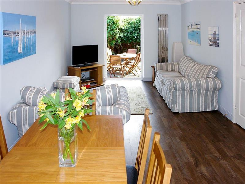 Pebble Cottage in Eastbourne - sleeps 6 people