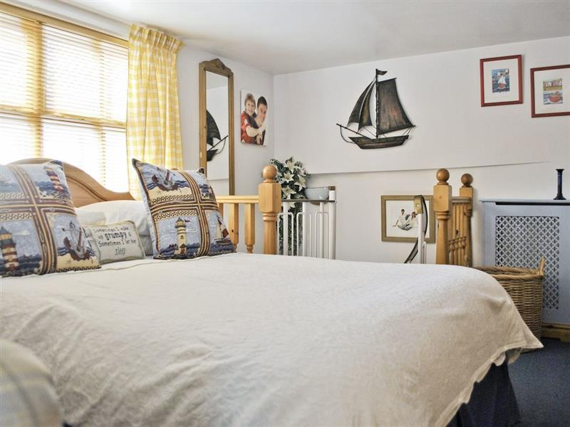Pebbles Cottage in Whitby - sleeps 3 people