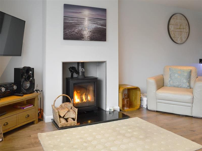 Pen Y Bryn in Benllech, near Red Wharf Bay, Anglesey - sleeps 6 people