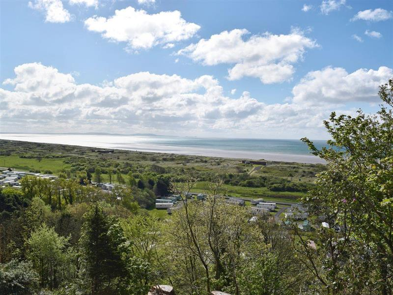 Pendine Manor Apartments - Bluebird in Pendine, near Laugharne, Carmarthenshire - sleeps 4 people