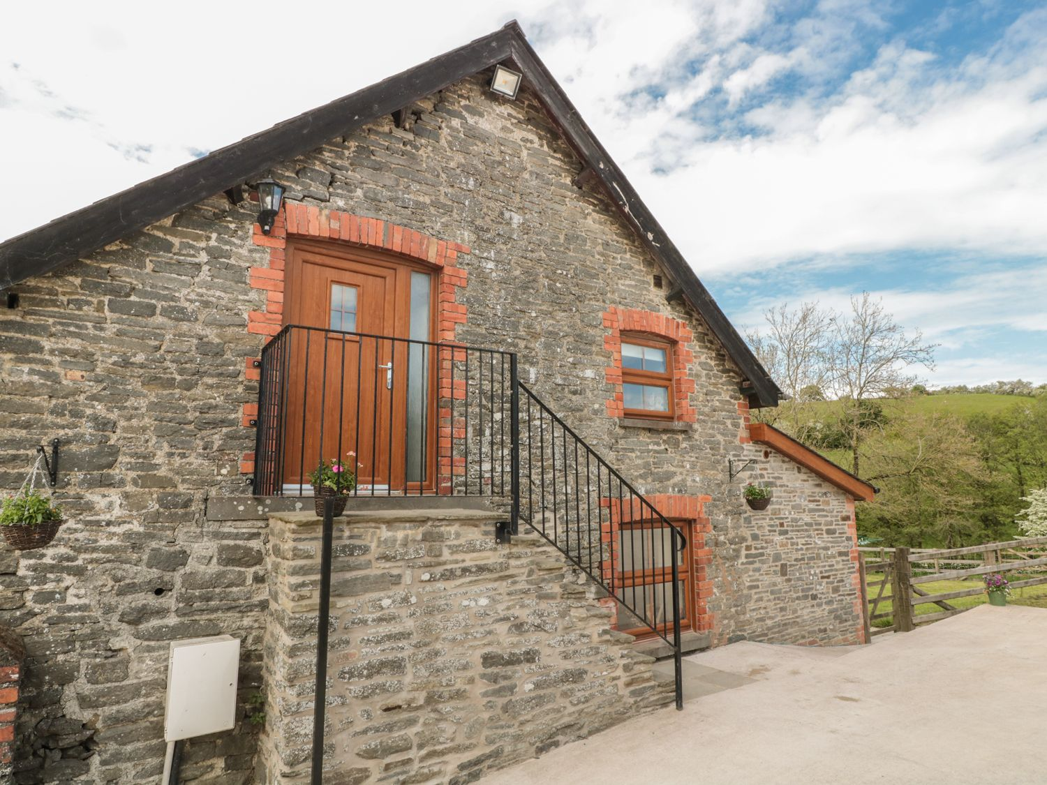 Penllan Granary in Painscastle - sleeps 2 people