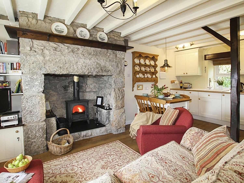 Penrhos Cottage in Moelfre - sleeps 4 people