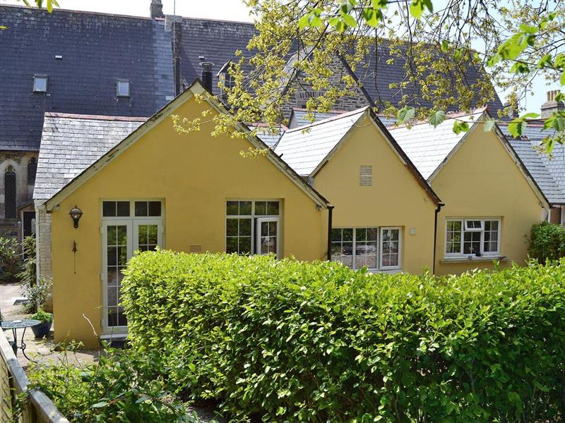 Peregrine Hall Cottages - Stable End in Lostwithiel - sleeps 2 people