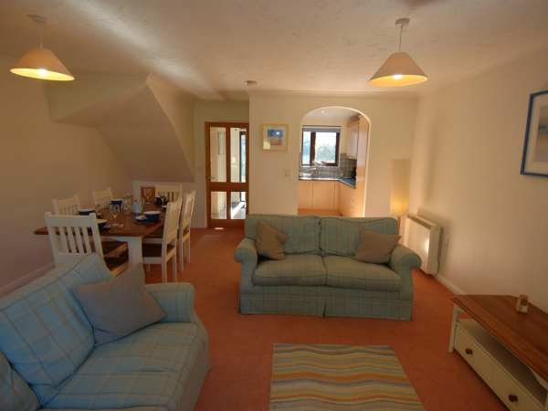 Pine Cottage in Maenporth - sleeps 5 people