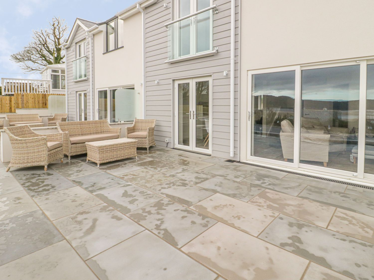 Pioden Y Mor, Porthllongdy in Red Wharf Bay - sleeps 4 people