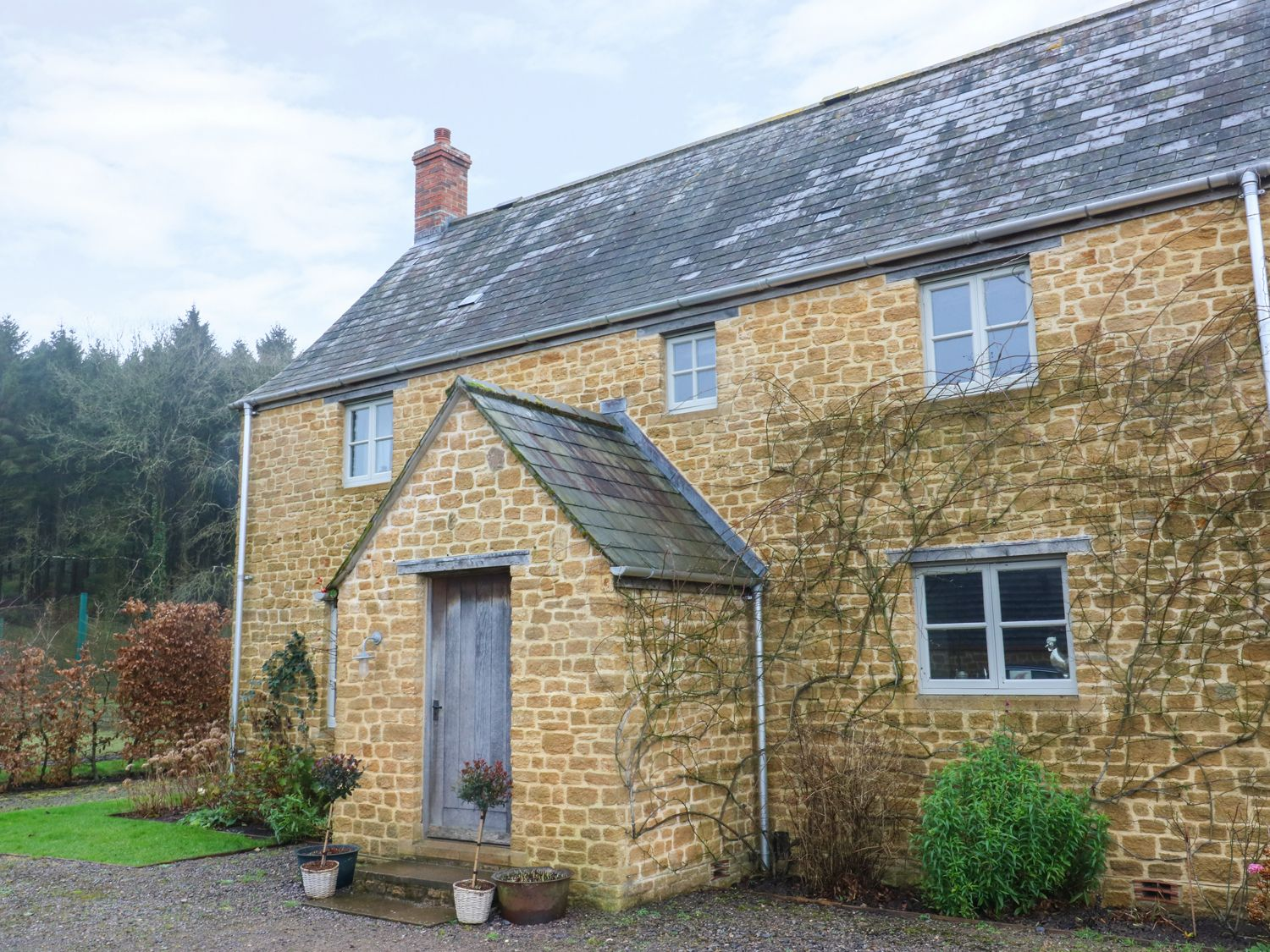 Pippin Cottage in Chedington - sleeps 6 people