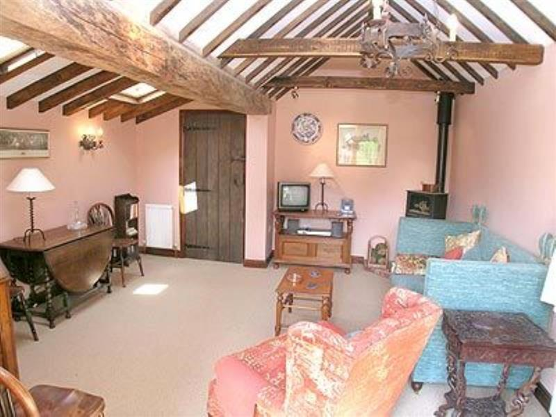 Pippins in Great Hautbois, nr. Coltishall - sleeps 3 people