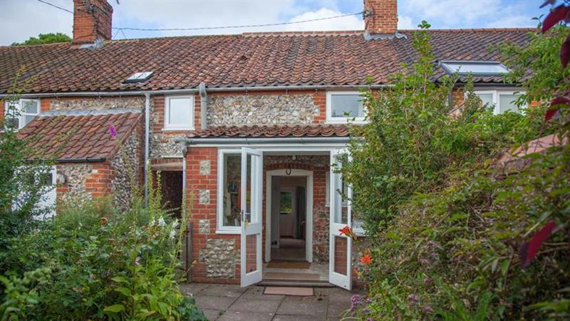 Poppy Cottage (Great Walsingham) in Great Walsingham - sleeps 4 people