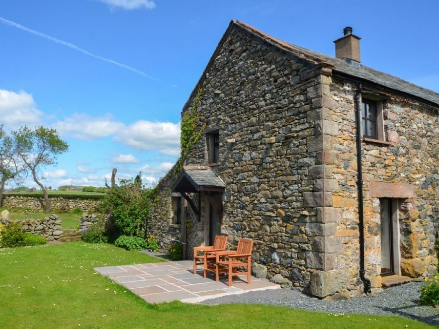Poppy Cottage in Greystoke - sleeps 2 people
