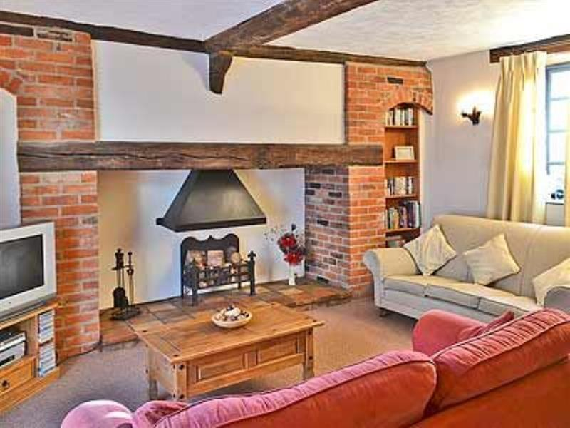 Poppy Cottage in Sheringham - sleeps 5 people