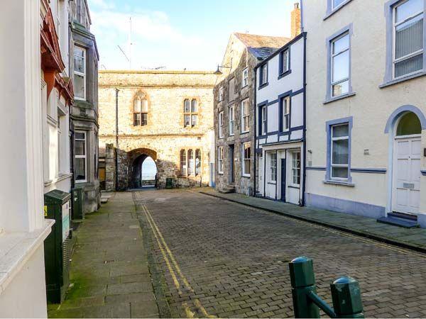 Porth yr Aur Bach in Caernarfon - sleeps 6 people
