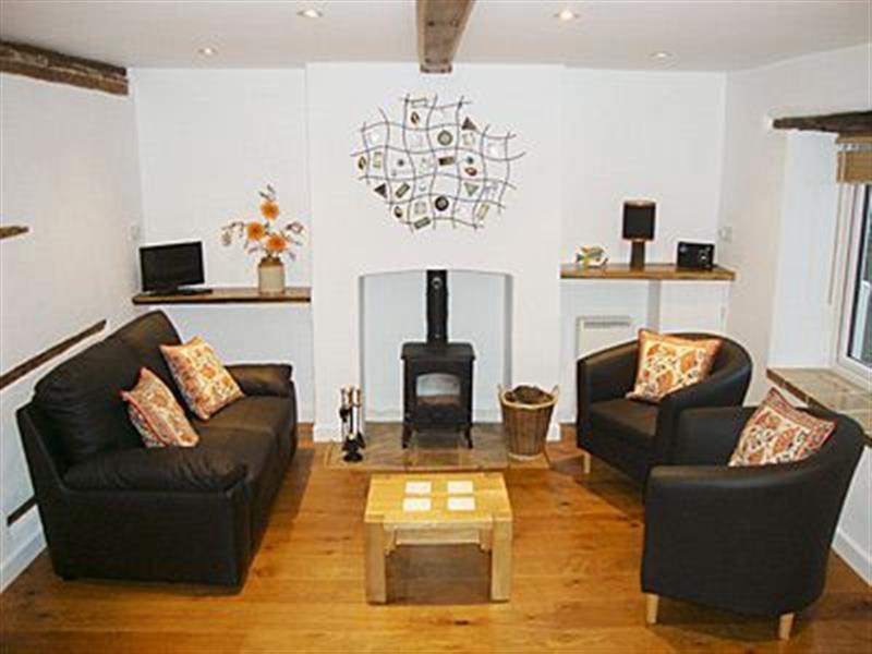 Primrose Cottage in Gresham, Norfolk - sleeps 4 people
