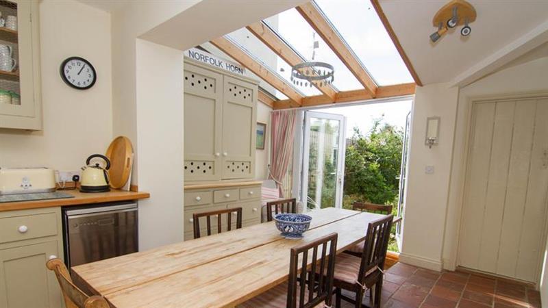 Providence Cottage in Snettisham near Kings Lynn - sleeps 4 people