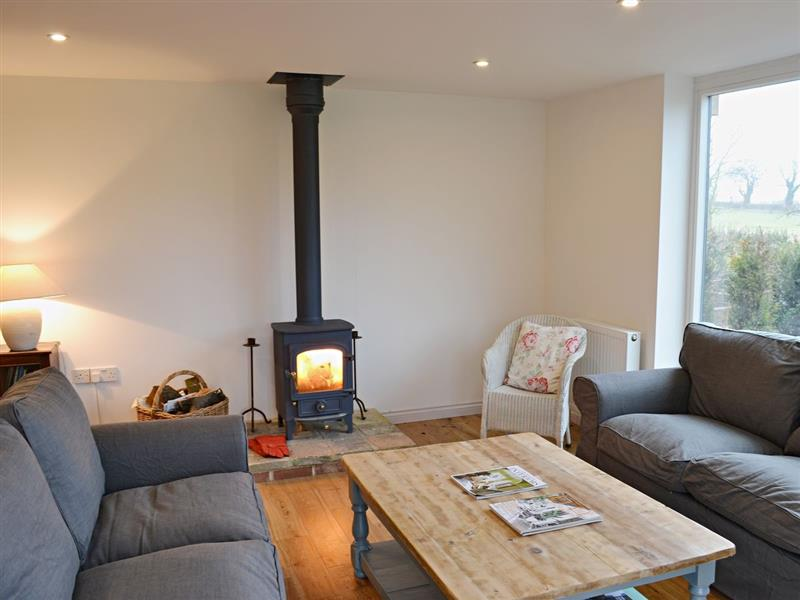 Puddle Barn in Matlaske, nr. Holt - sleeps 6 people