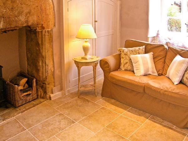 Quaker Cottage in Sherborne - sleeps 4 people