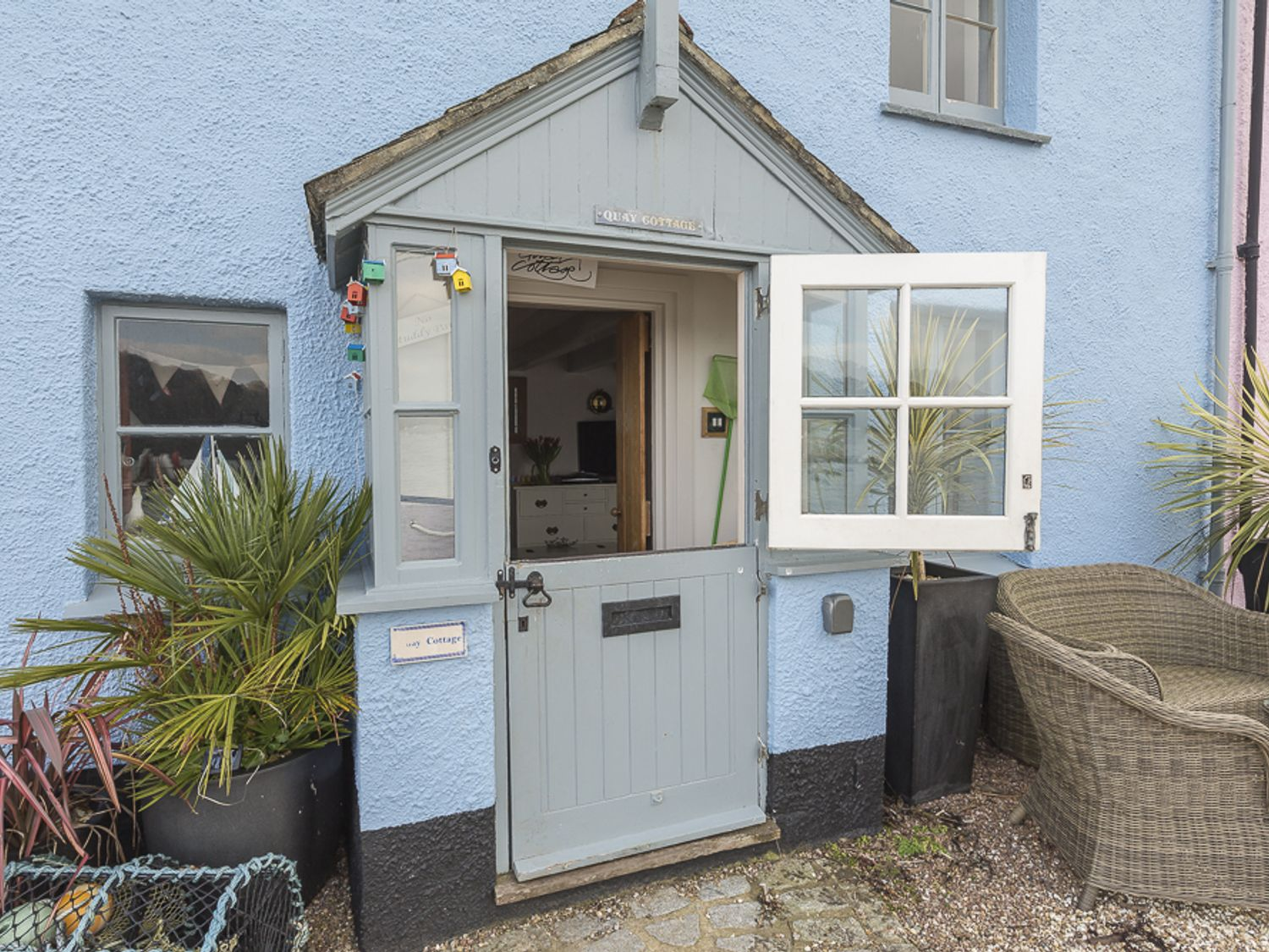 Quay Cottage (Dittisham) in Dittisham - sleeps 6 people